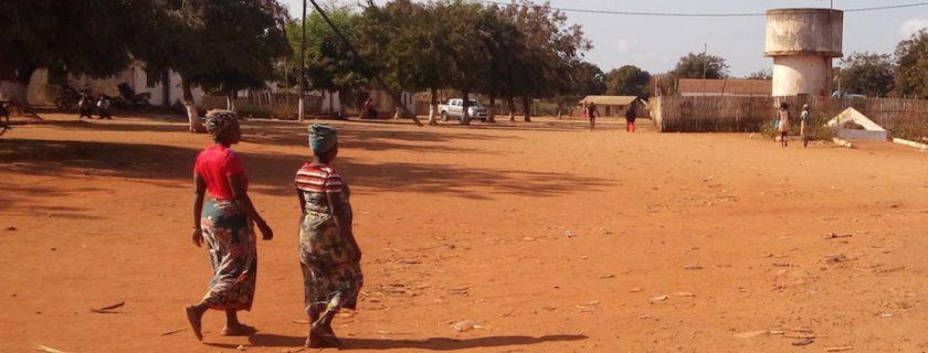 Impactos da extracção de rubi sobre a mulher e a rapariga em Namanhumbir