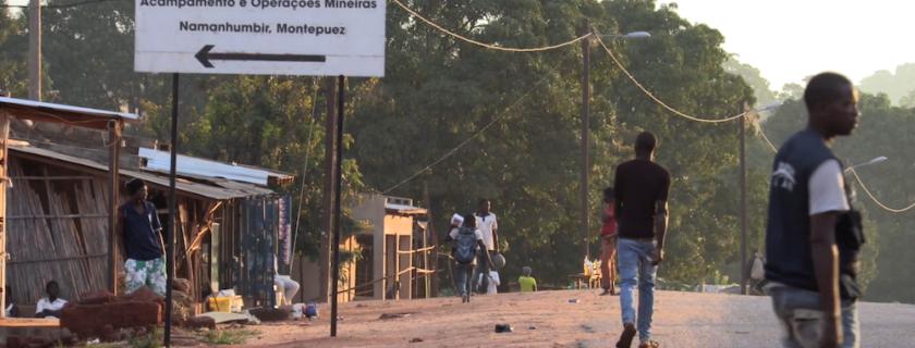 Impactos sociais do rubi em Namanhumbir